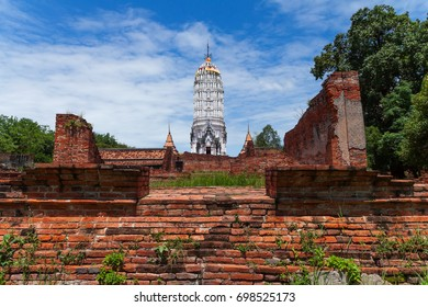 The ancient architecture of Wat Phutthaisawan. One of many temple ruins in the UNESCO World Heritage city of Ayutthaya, Thailand