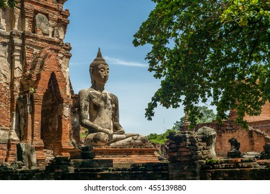 Ancient buddha statue at Wat Chaiwatthanaram Buddhist temple, historic site in Ayuttaya province,Thailand. A architect old capital of Thailand.