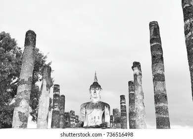 Ancient Buddhist statues in Historical park of Thailand, the Historical park welcomes of visitors who marvel at the ancient Buddha figures, palace buildings and ruined temples.