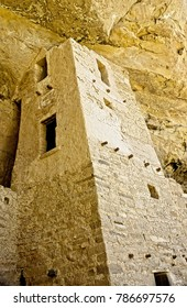 Ancient cliff dwellins are all that remain of the Anasazi Puebloan people that once lived at Cliff House at Mesa Verde, Colorado.