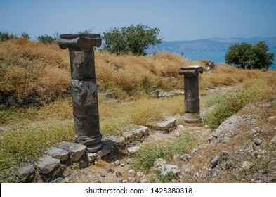 Ancient Columns.  During the Hellenistic and Roman / Byzantine periods, the city of Hippos (Sussita) was originally a rather central city in the Golan region.