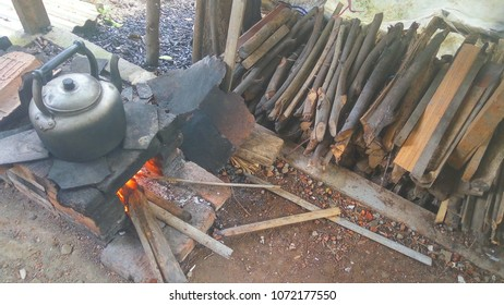 ancient cooking with fire wood