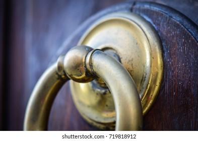 ancient door view - wallpaper design, knob, details, wood structure, ancient object