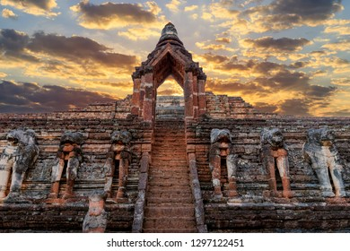 Ancient gate at Wat Chang Rob temple in Kamphaeng Phet Historical Park, UNESCO World Heritage site