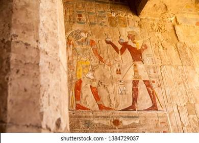 Ancient pharaonic drawings and engravings