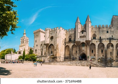 Ancient Popes Palace, Saint-Benezet, Avignon, Provence, France. Famous landmark