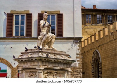 Ancient statue of Giovanni Dalle gang Nere in Florence, Italy