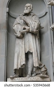 Ancient statue of italian important reinassance people: Galileo Galilei