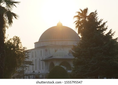 Ancient Sultan Ahmed Mosque, light from the sun