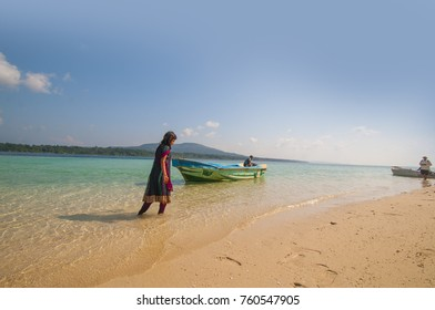 ANDAMAN AND NICOBAR, INDIA, 11 FEBRUARY 2016 : Unidentified tourists spend time on beach and enjoy nature at Jolly Buoy Island, Jolly Buoy being a plastic free island attracts lots of tourist.