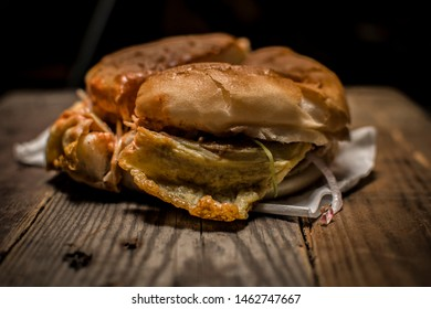 Anday wala Burger at Karachi (Karachi Food)