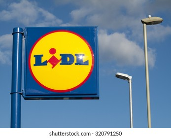 Andover, west Street, Hampshire, England - September 25, 2015: Lidl Stiftung, German global discount supermarket chain