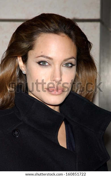 Angelina Jolie at the special screening of ALEXANDER on November 22, 2004 in New York City