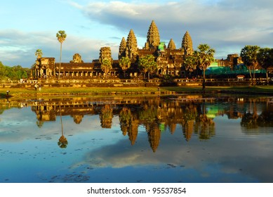 Angkor Wat and reflecting pool at sunset, Siem Reap, Cambodia