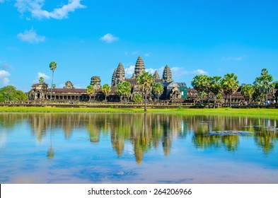 Angkor Wat temple seen across the lake, Siem Reap, Cambodia