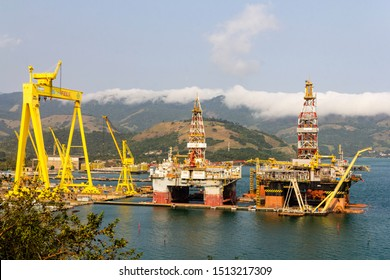 Angra dos Reis, Rio de Janeiro, Brazil - September 16, 2019: Oil rig under maintenance, BrasFELS LTDA Shipyard - Keppel FELS Brasil S.A.