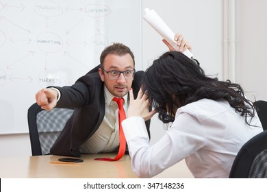 Femminile boss dating subordinato