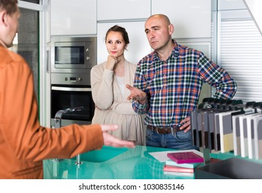 angry couple makes claims at   kitchen furniture  workshop