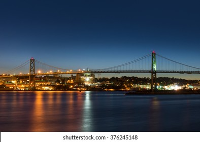 Angus L. Macdonald Bridge that connects Halifax to Dartmouth (Nova Scotia, Canada)
