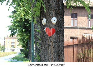 An animated tree in Milan