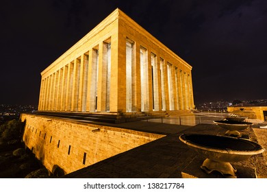 Anitkabir at night