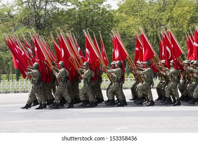 ANKARA - AUG 30: Turkish Victory Day military parade on August 30, 2013 in Ankara, Turkey.