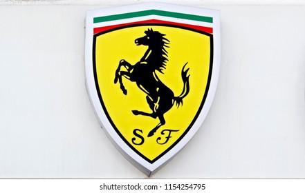 Ferrari Logo Imágenes Fotos De Stock Y Vectores Shutterstock