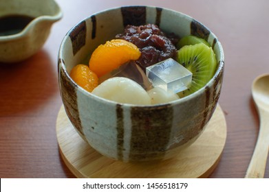 Anmitsu is a Japanese dessert that made of small cubes of agar jelly, served in a bowl with sweet azuki bean paste or anko , boiled peas,and a variety of fruits.