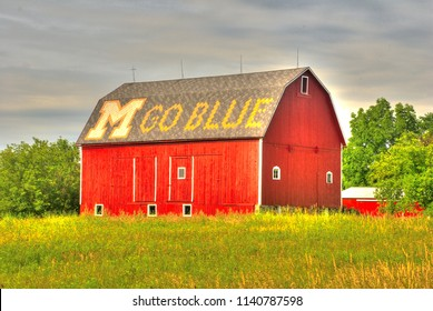 """Ann Arbor, Michigan/USA - May 2009: A barn with""""M Go Blue"""" on the roof. An iconic building in Ann Arbor."""