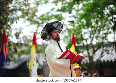 The Annals of the Joseon Dynasty airing reproduce ceremony. On May 5, 2018 at the Gyeonggijeon Hall in Jeonju, South Korea