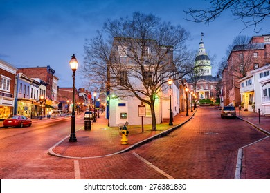 Annapolis, Maryland, USA downtown cityscape on Main Street.