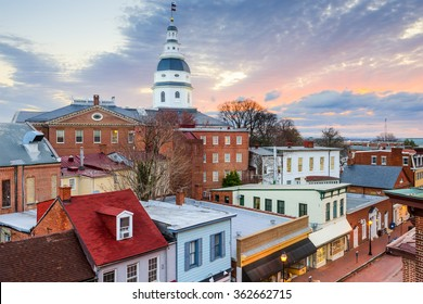 Annapolis, Maryland, USA skyline and State House.