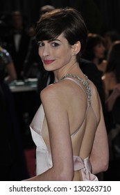 Anne Hathaway at the 85th Academy Awards at the Dolby Theatre, Hollywood. February 24, 2013  Los Angeles, CA Picture: Paul Smith