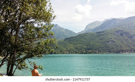 Annecy, beautiful city in France, lake in the city is surrounded by mountains. Annecy, Alpas, France.