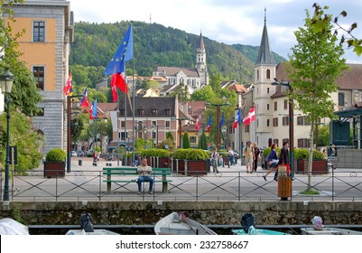 ANNECY, FRANCE - MAY 19: Quay view on May 19, 2014 in Annecy, France. Annecy is a commune in the Haute Savoie department of the Rhone-Alpes region in south-eastern France.