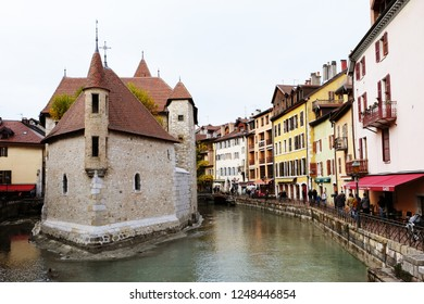 Annecy, France - November 25, 2018: the view of city canal with medieval buildings in Annecy Old Town
