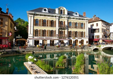 """Annecy,France-08 23 2016:Sometimes called """"Venice of the Alps"""", this idyllic and touristic representation of Annecy comes from the Thiou river lying through the old city ."""