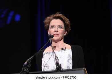 Annette Bening  at Annette Bening Honored at Santa Barbara Film Festival, Arlington Theatre, Santa Barbara, CA. 01-28-11