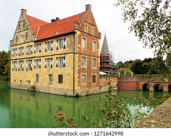 Annette von Droste-Hülshoff - Main building of the castle Hülshoff, in which the German poet Annette von Droste-Hülshoff was born. Münster / NRW, Germany 09/14/2014