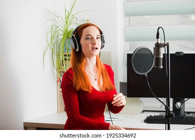 The announcer on the radio trains diction before the start of the broadcast