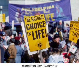 The annual RIght To Life March passes in front of the US Supreme Court building Washington DC., January 22, 1991.