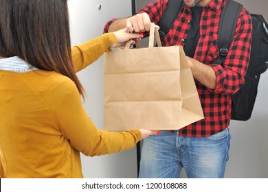 Anonimous delivery food service at home - you can eat the restaurant food where you prefer - anonimous bag with food order from the people