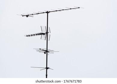 Antenne auf dem Dach eines Hauses
