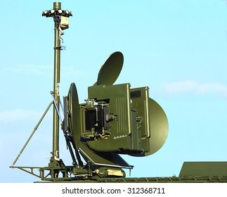 Antenna of rhe ground module for electronic suppression  with the main and side lobes