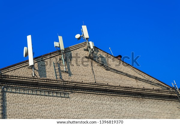 antennas-mount-cables-cellular-communica