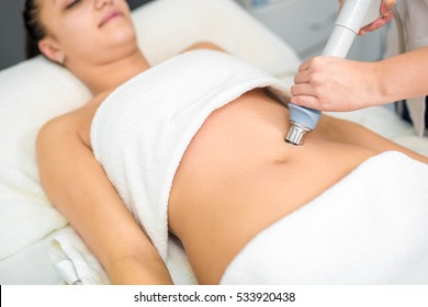 Anti-cellulite massage stomach.