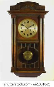 Antike Uhr mit Pendel
