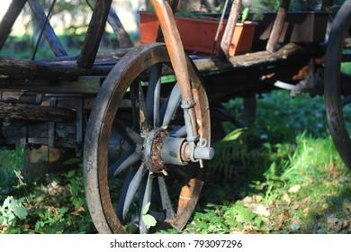 antique cart, vintage style