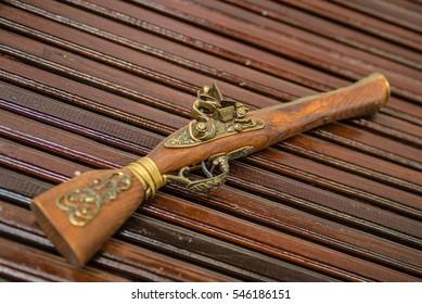 Antique gun for pirate gold,toy gun