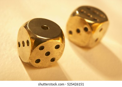 ANTIQUE POLISHED GOLD BRASS DICE